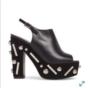 Donald Pliner Platform sandals, size 8,5